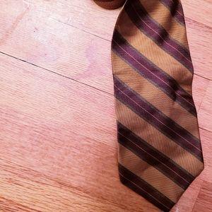 Harold Powell 100% silk tie 👍